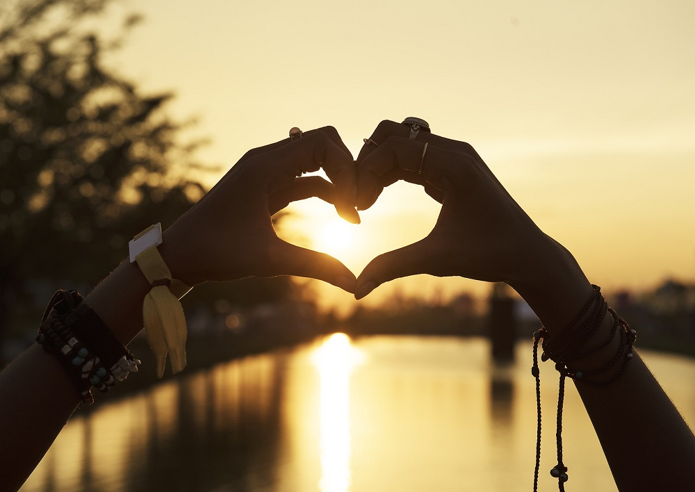 10 STEPS TO FINDING LOVE FROM WITHIN